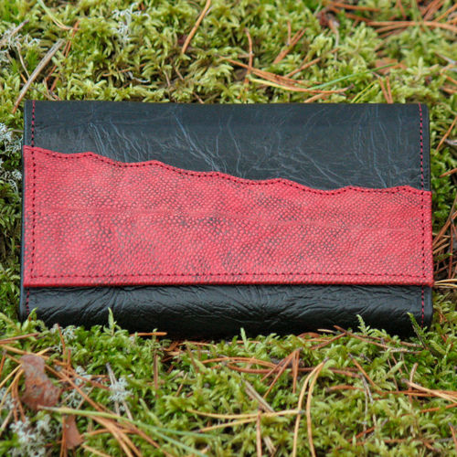 Women's purse, decorated with red burbot leather